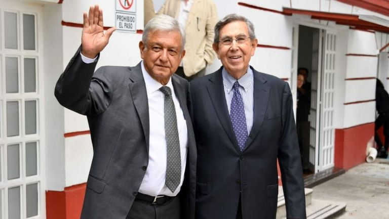 AMLO y Cuauhtémoc Cárdenas durante un evento