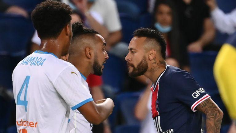 Neymar y Payet en discusión