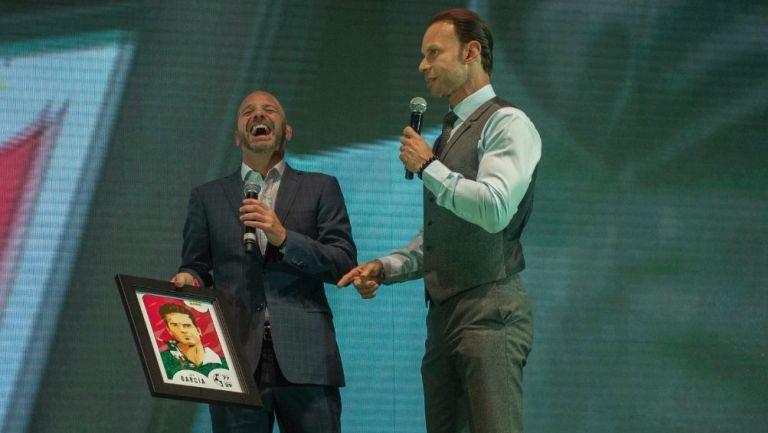 Zague durante un evento con Luis García
