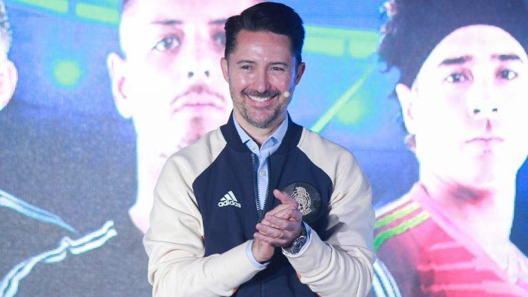 Yon de Luisa durante una conferencia de prensa