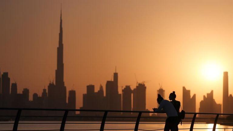 Burj Khalifa, rascacielos de Dubai, proyectó la bandera de México por la independencia
