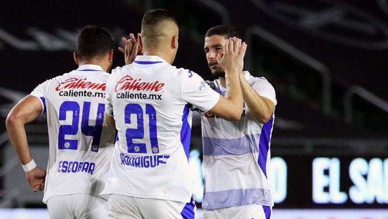 Jugadores de La Máquina festejan gol de Cabecita