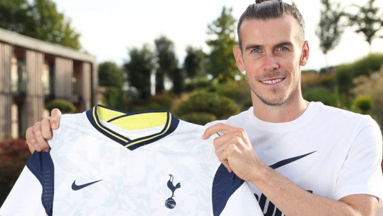 Bale con la playera del Tottenham