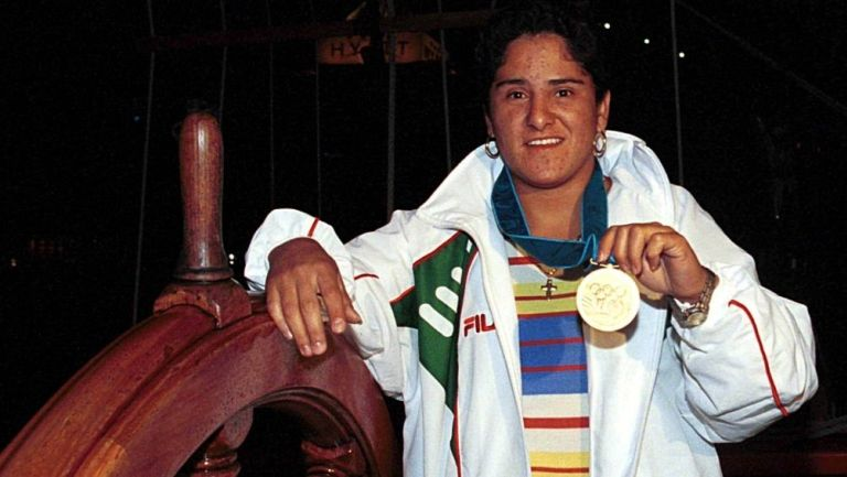 Soraya Jiménez con la medalla de oro