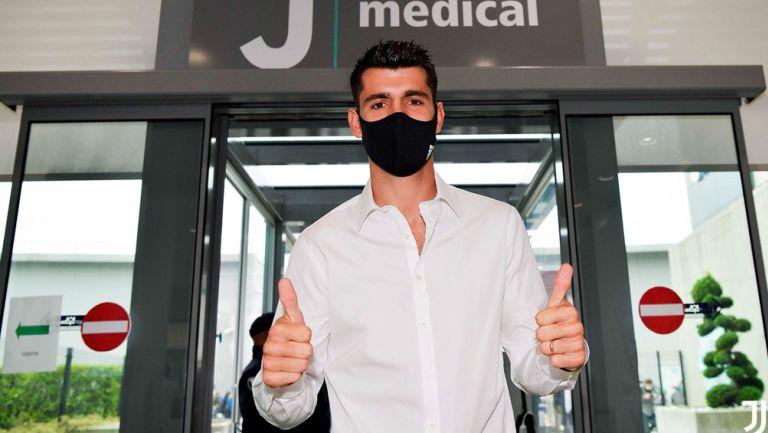 Álvaro Morata posa en las instalaciones médicas de la Juventus