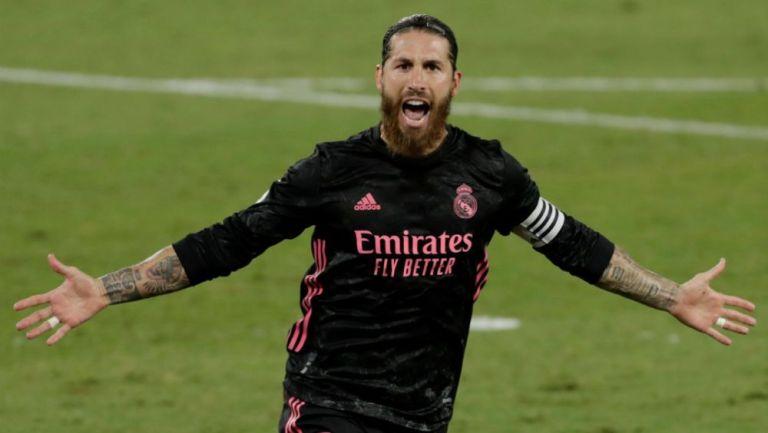 Sergio Ramos festejando su anotación
