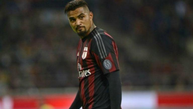 Kevin Prince Boateng vistiendo la playera del Milan