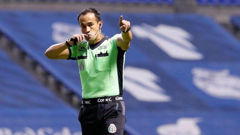 Jorge Isaac Rojas durante un partido