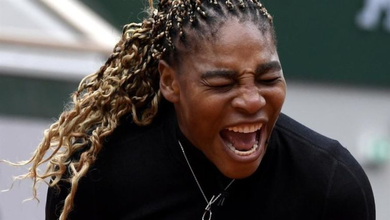 Roland Garros: Serena Williams anunció su retirada en segunda ronda por una lesión
