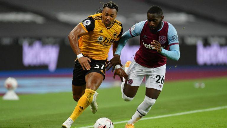 Adama Traoré en acción con Wolverhampton