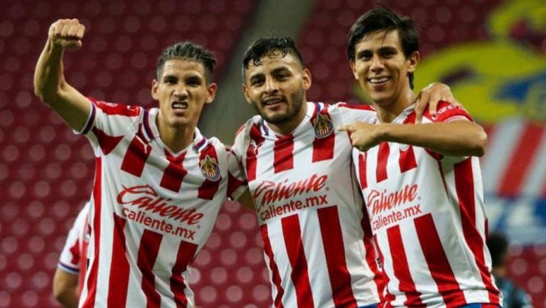 Antuna, Vega y Macías en celebración