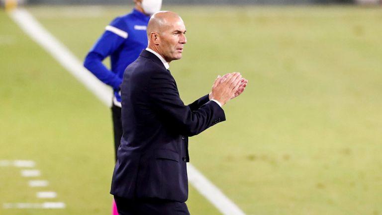 Zinedine Zidane durante un compromiso del Real Madrid