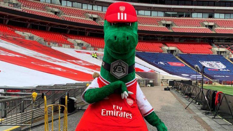 Arsenal: Gunnersaurus fue despedido por crisis económica