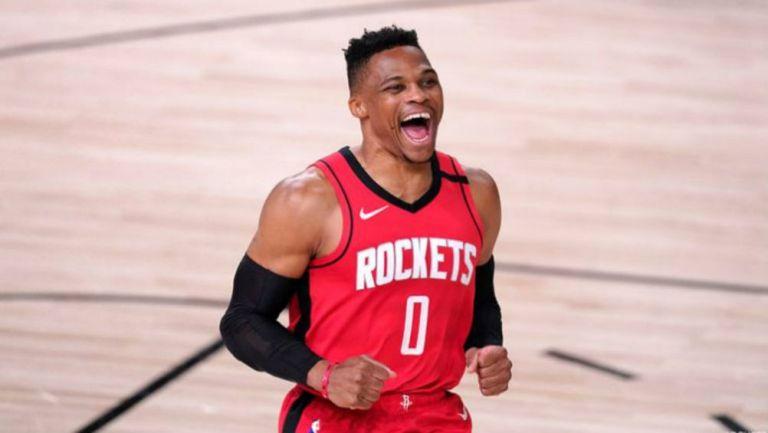 Russell Westbrook en acción con Houston Rockets