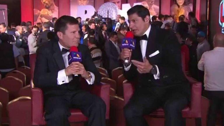 Carlos Aguilar en una transmisión con Chávez