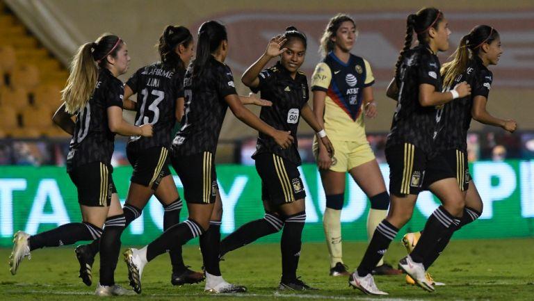 Tigres venció 1-0 al América en el Universitario