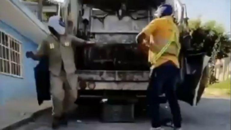 Video: Triple A busca a trabajadores de limpia con habilidades luchísticas