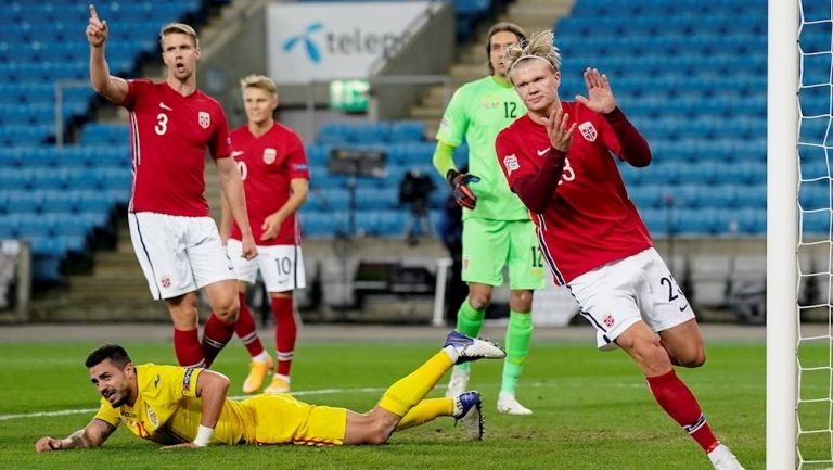 Haaland celebrando un gol ante Rumanía