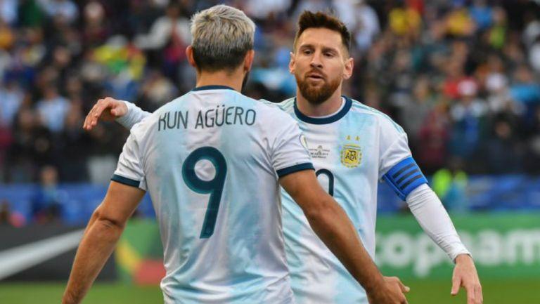 Kun y Messi jugando con Argentina