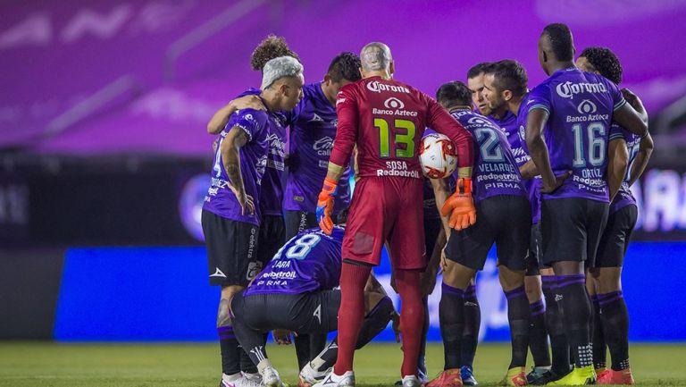 Jugadores de Mazatlán previo a un partido