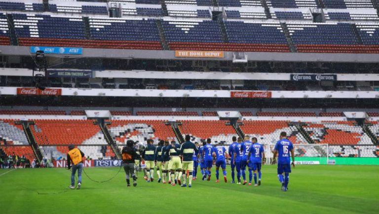 Estadio Azteca sin aficionados