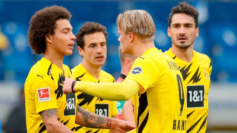 Haaland y Witsel después de la victoria del Borussia