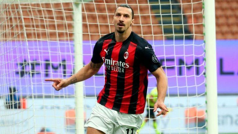 Ibrahimovic luego de marcar gol ante el Inter de Milán