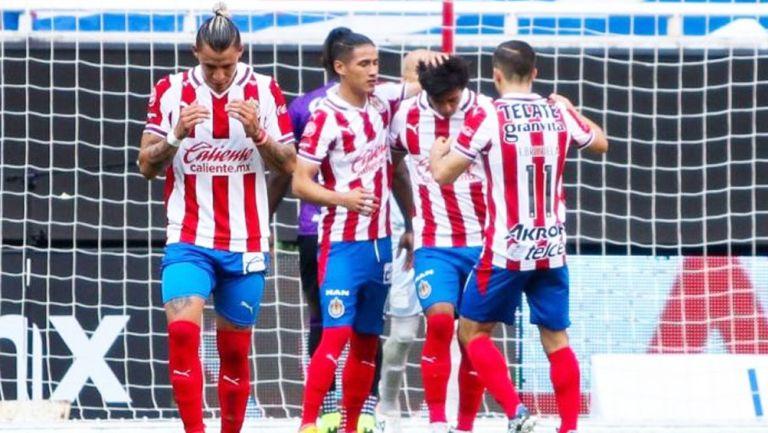Jugadores de Chivas en un partido