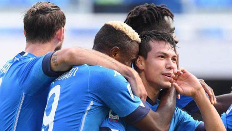 Chucky Lozano festeja un gol ante el Atalanta