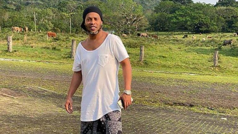 Ronaldinho se contagió de Covid-19
