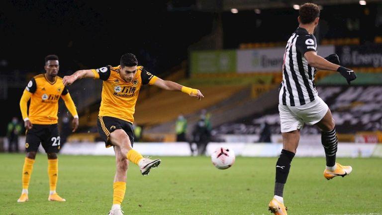 Raúl Jiménez anotó el gol de Wolves ante Newcastle United