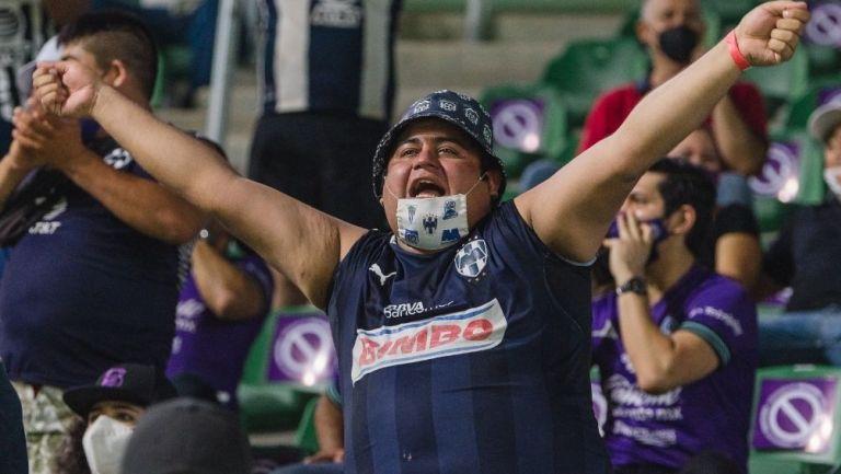 Aficionados de Rayados en el duelo vs Mazatlán