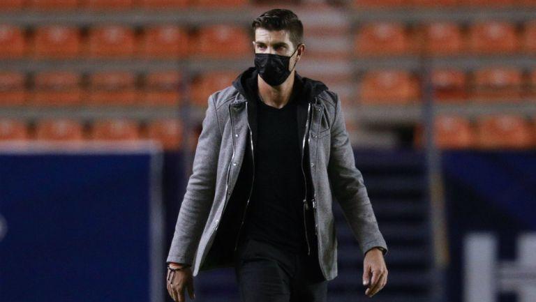 Alex Diego en partido con Querétaro