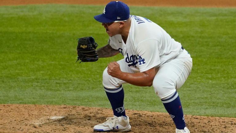 Reacción de Urías tras amarrar el título de MLB
