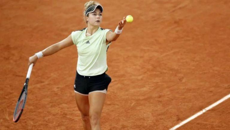Zarazúa, durante un saque en Roland Garros