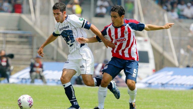 Israel Castro disputó el Pumas vs Chivas con ambas playeras