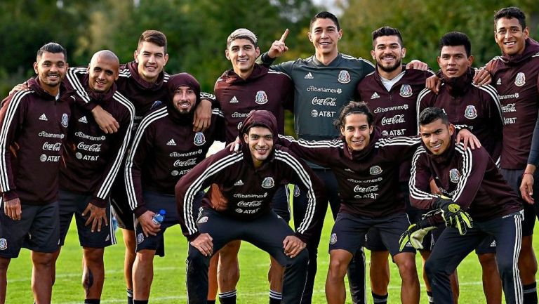 Jugadores de la Selección Mexicana en un entrenamiento