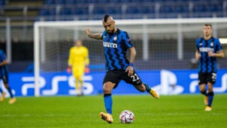 Arturo Vidal en acción con el Inter de Milán