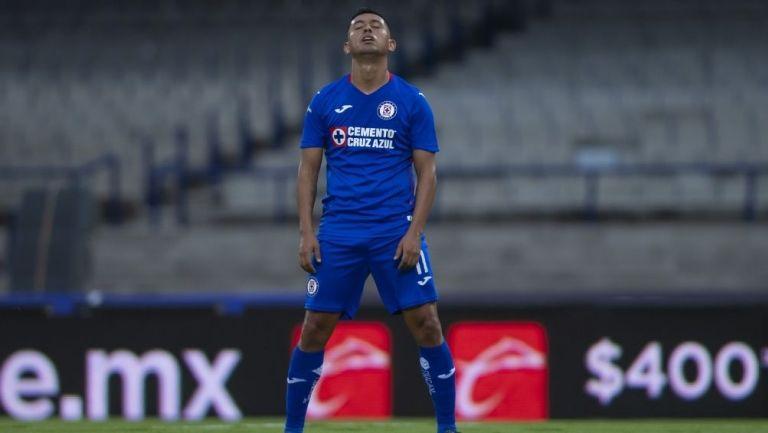 Elías Hernández en partido con Cruz Azul