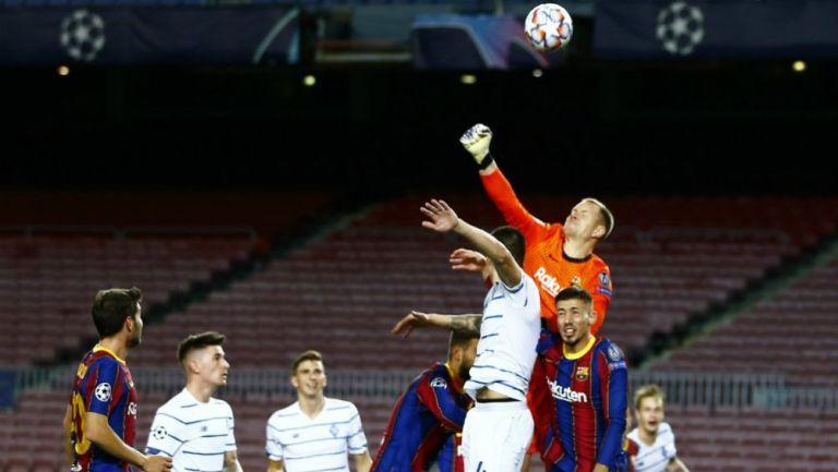 Marc-André Ter Stegen en acción ante Dinamo de Kiev