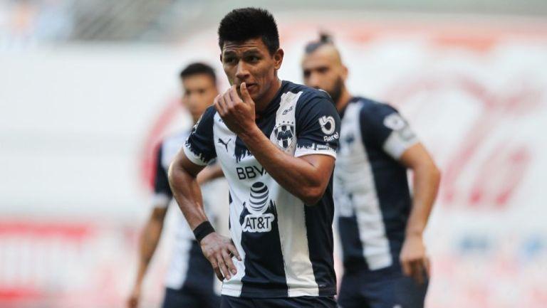 Jesús Gallardo en un partido con Rayados de Monterrey