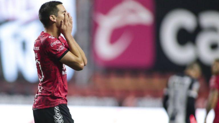 Mauro Lainez en lamento con Xolos