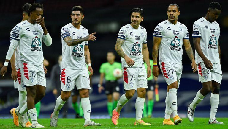 Jugadores de Pachuca tras una derrota en Liga MX