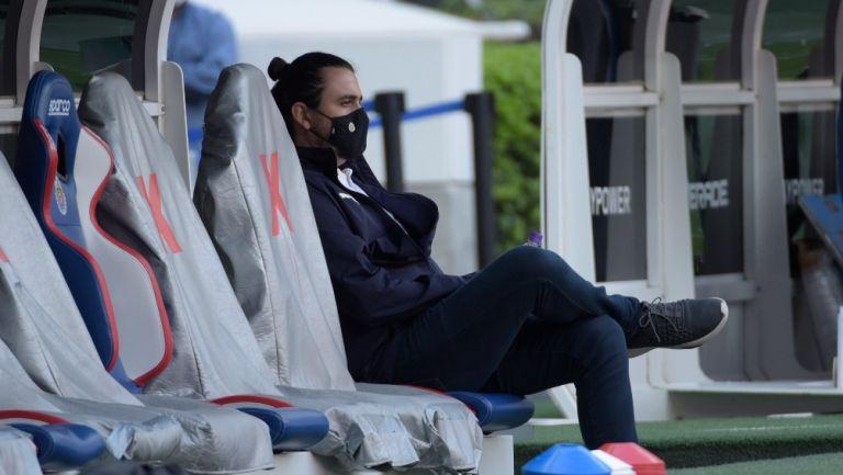 Amaury Vergara durante un partido de Chivas