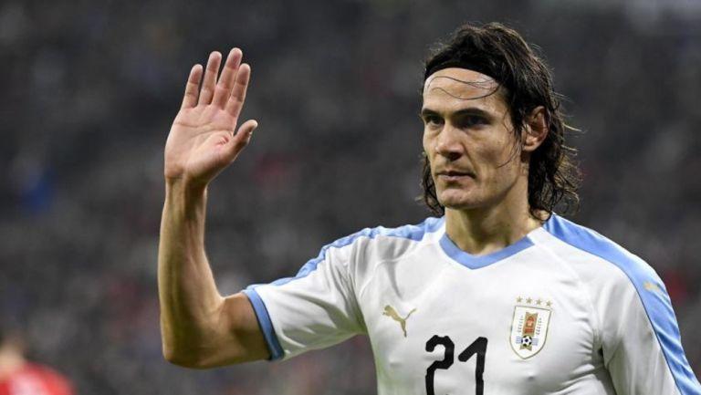 Edinson Cavani durante un partido con Uruguay