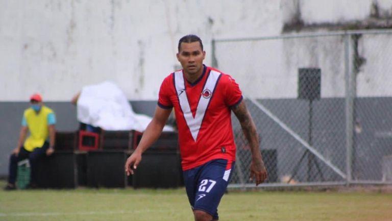 Gullit Peña durante un partido con el Club Veracruzano