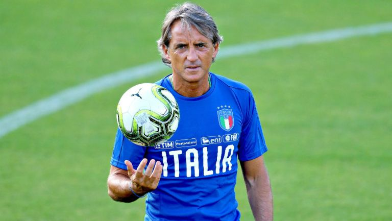 Mancini en partido con Italia