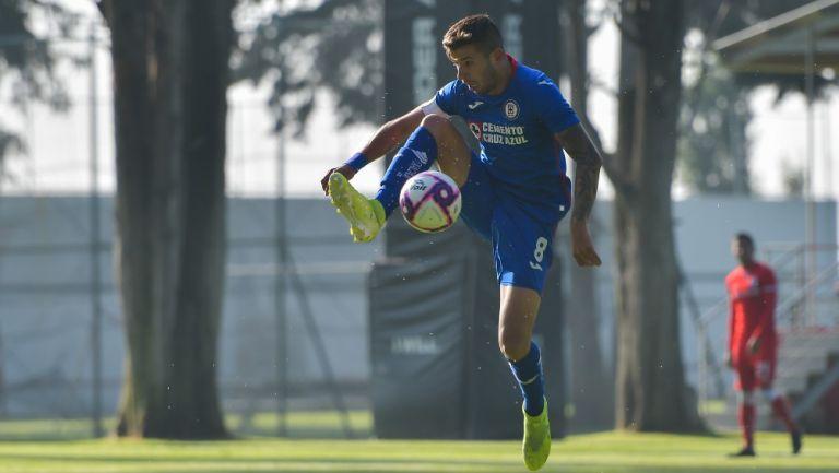 Pablo Ceppelini durante un partido con Cruz Azul Sub 20
