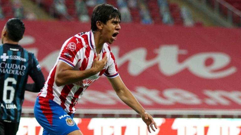 José Juan Macías en partido con Chivas