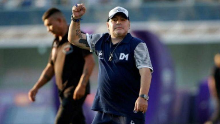 Maradona en juego de su equipos Gimnasia y Esgrima de La Plata